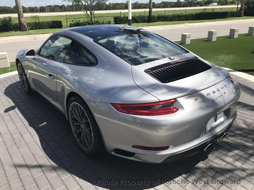 Porsche continues the positive trend